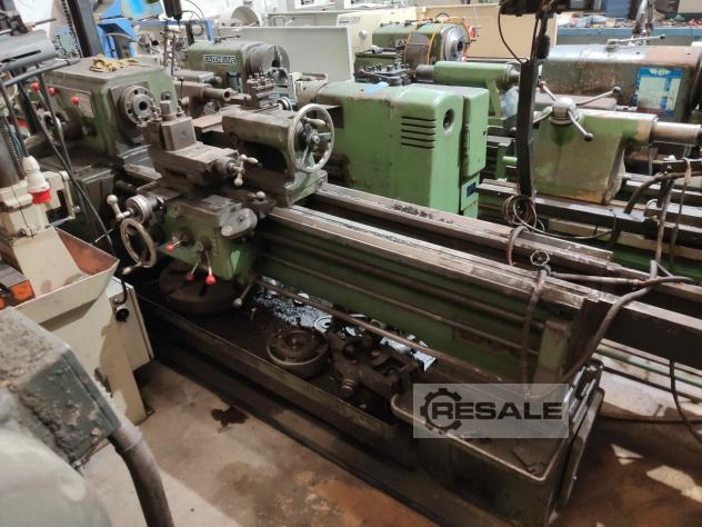 Maschine: TOR D550x1500 Turning Machines (Lathes)